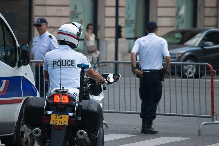 498 policiers se sont faits pirater leurs données.