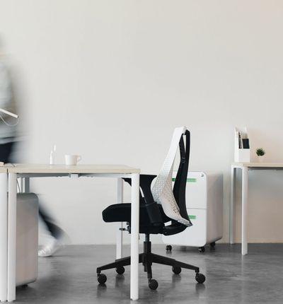 un open office monochrome