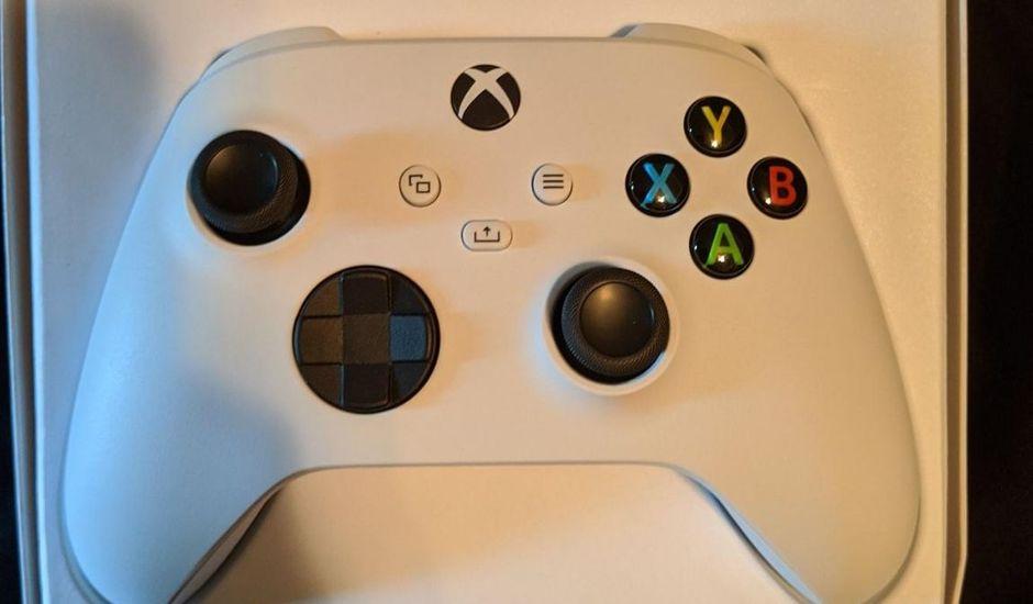 La manette compatible avec la Xbox Series X et S