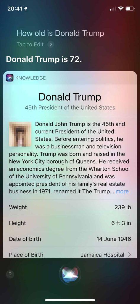 Capture d'écran de la réponse de Siri avec l'aperçu de la page Wikipedia de Donald Trump