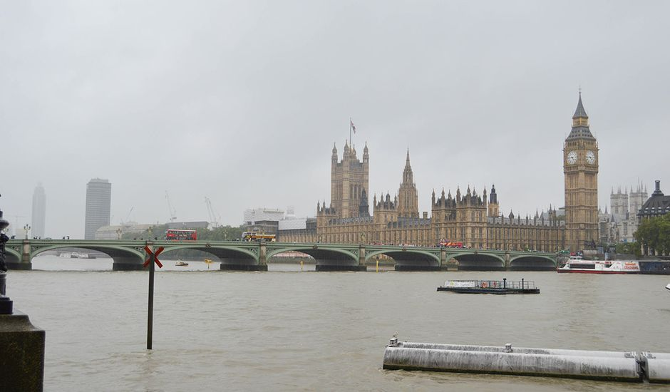 Royaume-Uni : Londres sous la pluie.