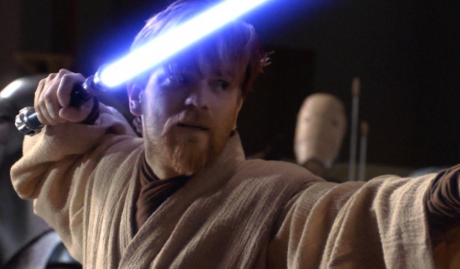 La série Obi-Wan Kenobi se déroule une décennie avant Un Nouvel Espoir rendant possible un crossover avec Solo