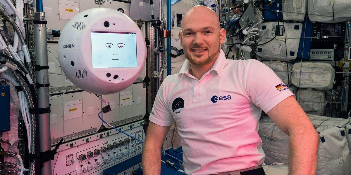 Le robot CIMON est de retour sur l'ISS en version améliorée