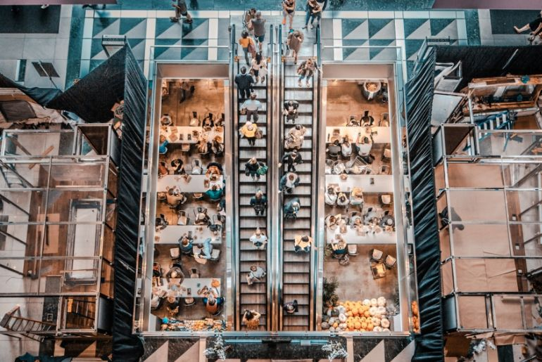 l'expérience client en magasin dans le secteur retail
