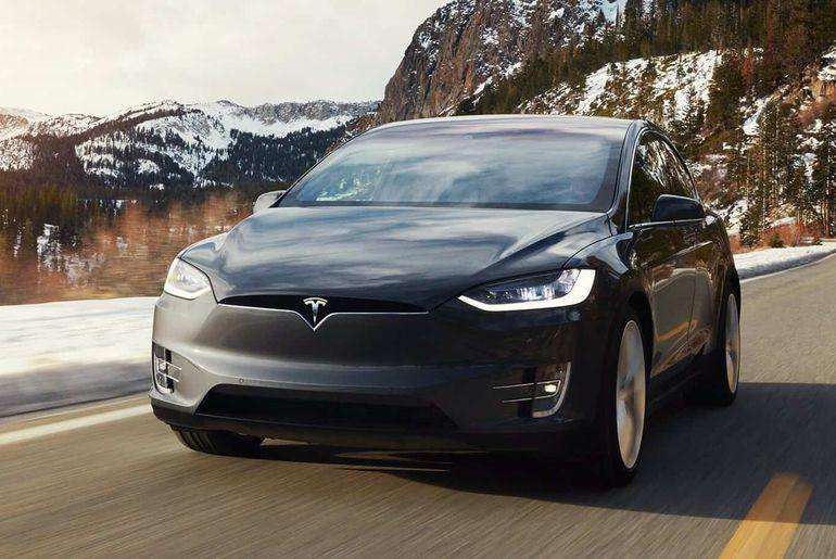 Tesla améliore encore son système Navigate on Autopilot