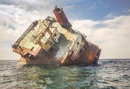 Un navire échoué sur la mer Noire