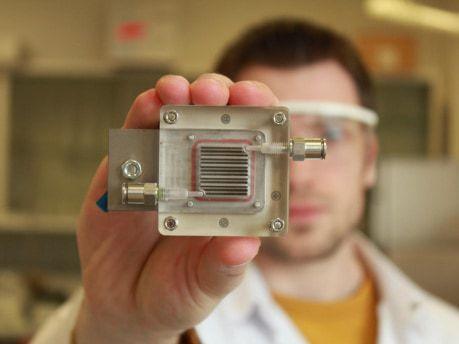 Cet appareil transforme l'air pollué en hydrogène