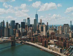 Une vue aérienne de la ville de New-York.