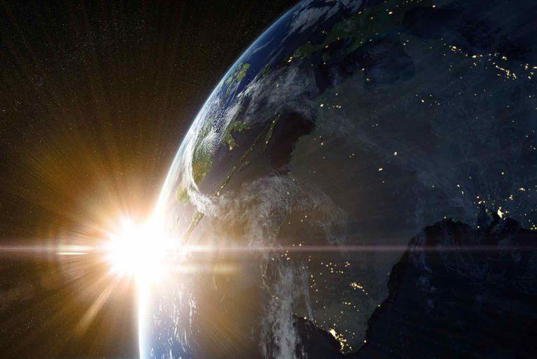 Amazon va lancer des satellites pour fournir Internet.