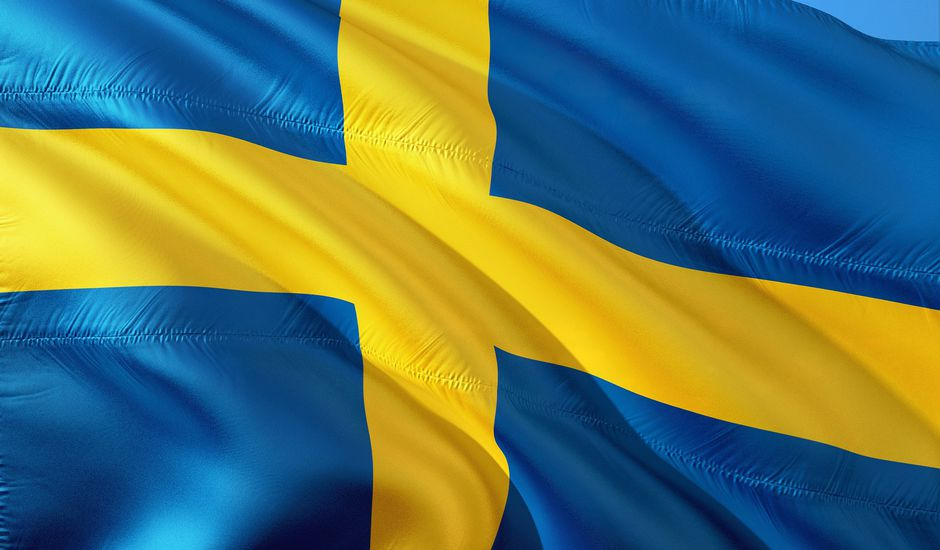 Le drapeau bleu et jaune de la Suède.