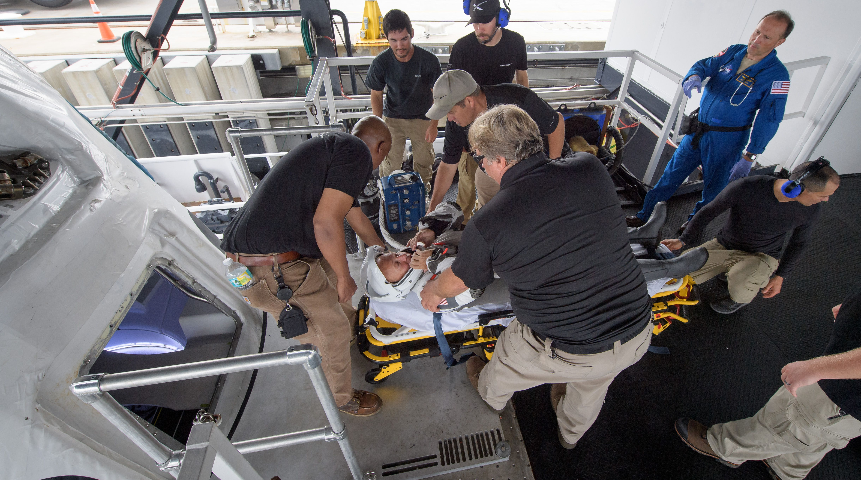 La NASA et SpaceX s'entraînent à l'évacuation d'une capsule spatiale