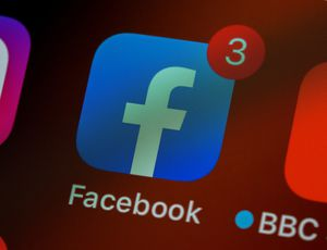 logo facebook avec notifications