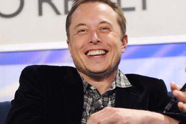 Elon Musk affirme que Tesla est en avance sur les autres sociétés en matière de conduite autonome.