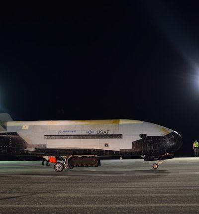Le X-37B vient d'atterrir après 780 jours de vol.